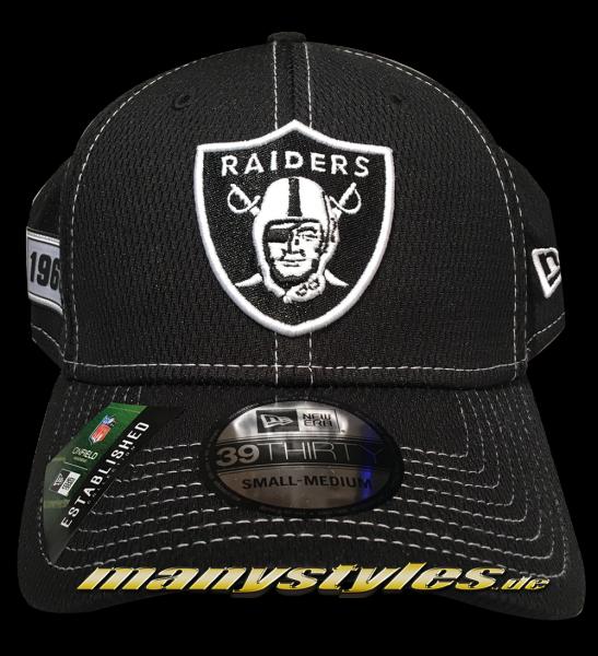 Oakland Raiders 39THIRTY NFL19 SL RD Pre-Curved 3930 Cap Black White Sideline 2019 von New Era